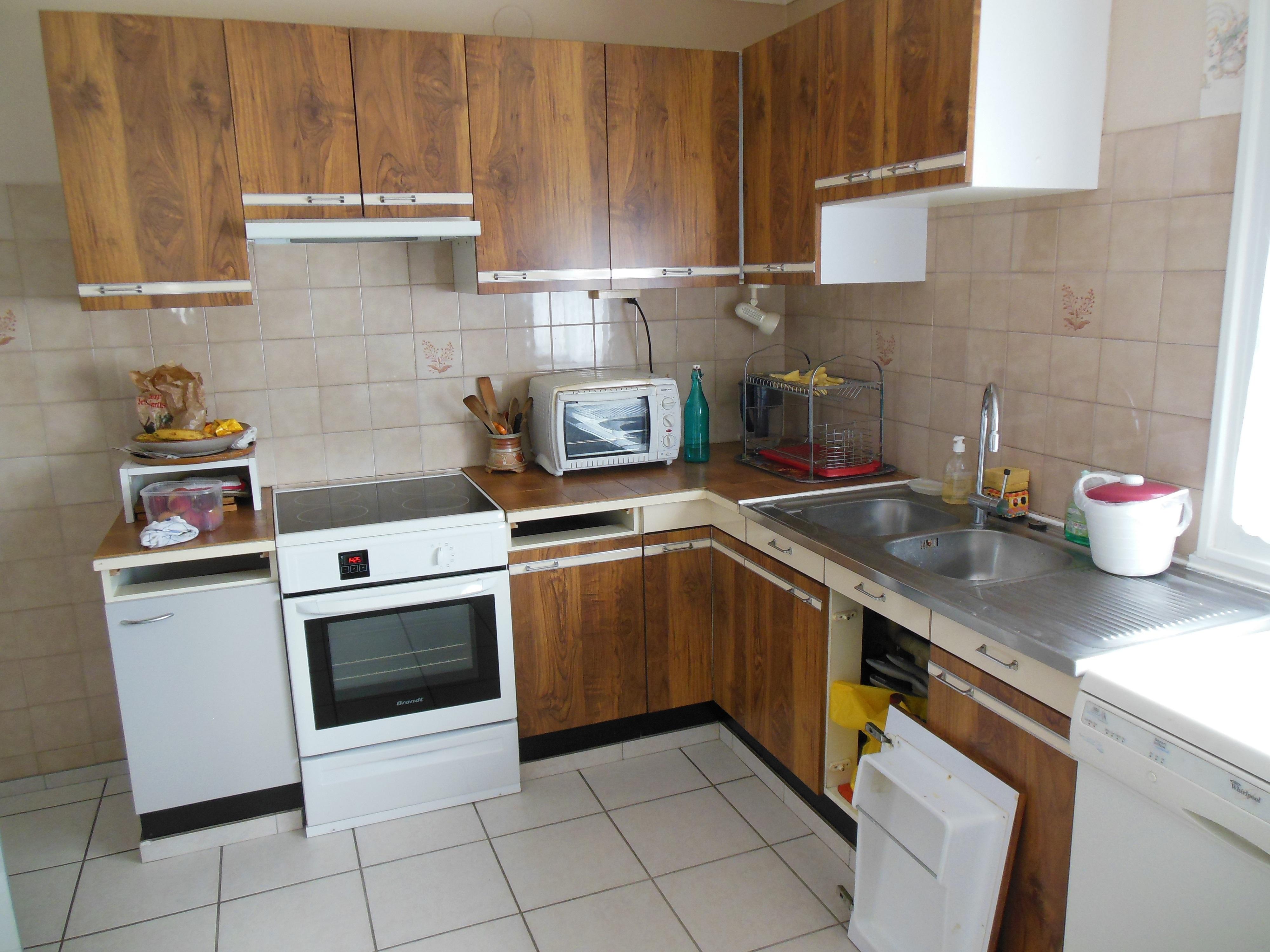 Relooker ou relooking profesionnel de votre cuiisne avec garantie de tenue des produits - Relooker meuble cuisine ...