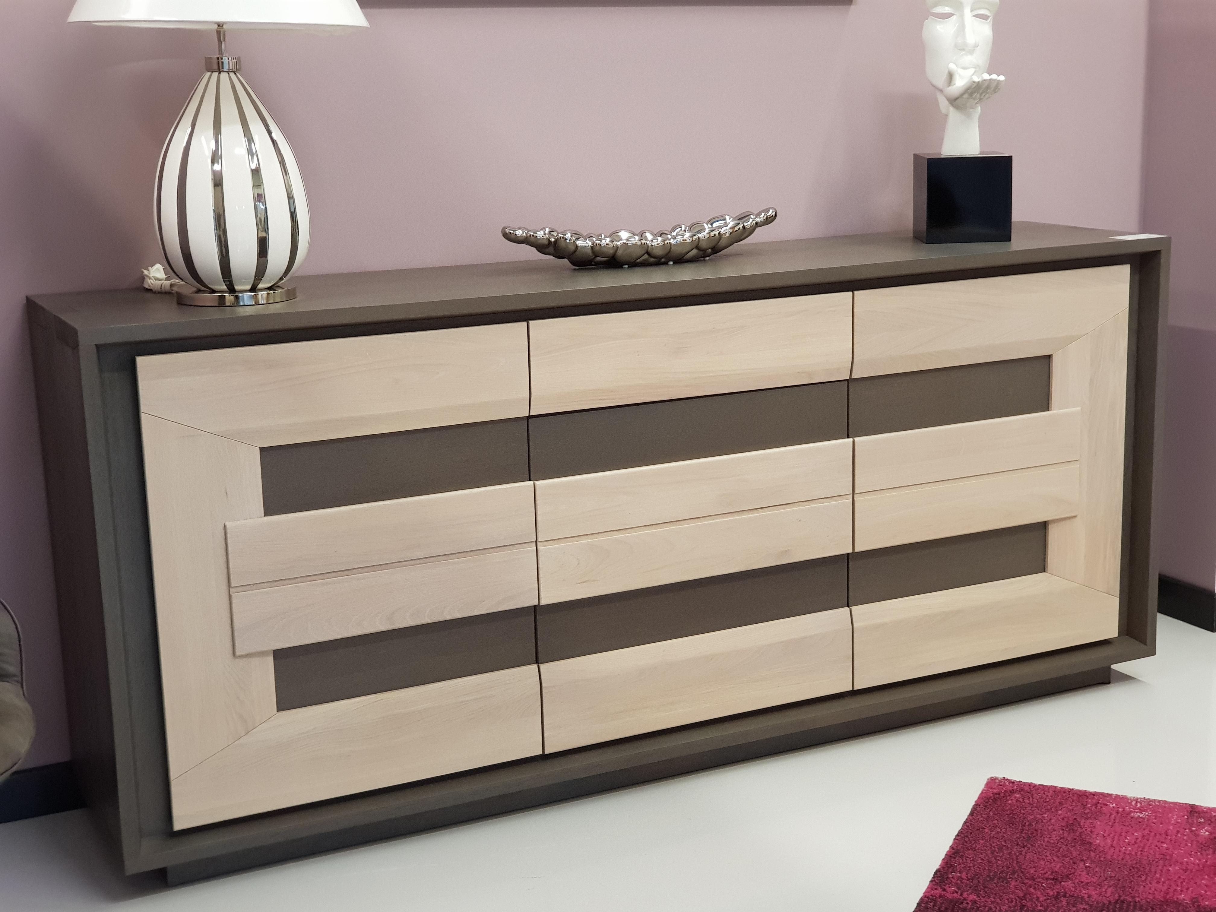 meuble bas en ch ne massif disponible prix sp cial. Black Bedroom Furniture Sets. Home Design Ideas
