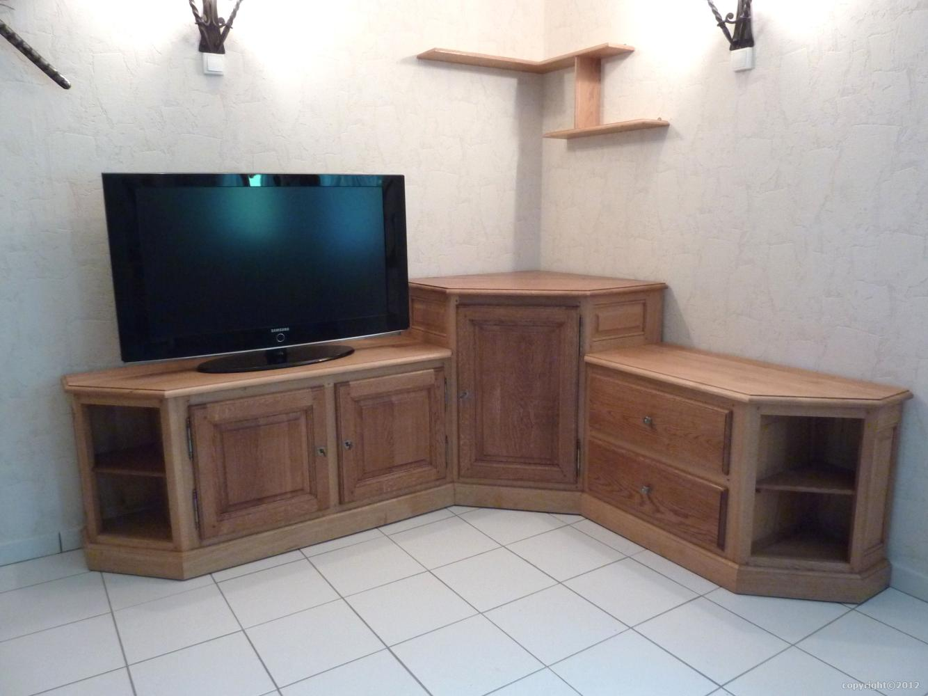 meuble tv hifi sur mesure en massif style contemporain. Black Bedroom Furniture Sets. Home Design Ideas