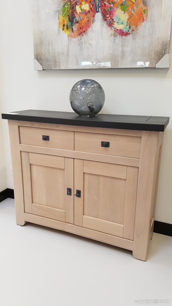 petits meubles pour entr e salon salle manger sur mesure. Black Bedroom Furniture Sets. Home Design Ideas
