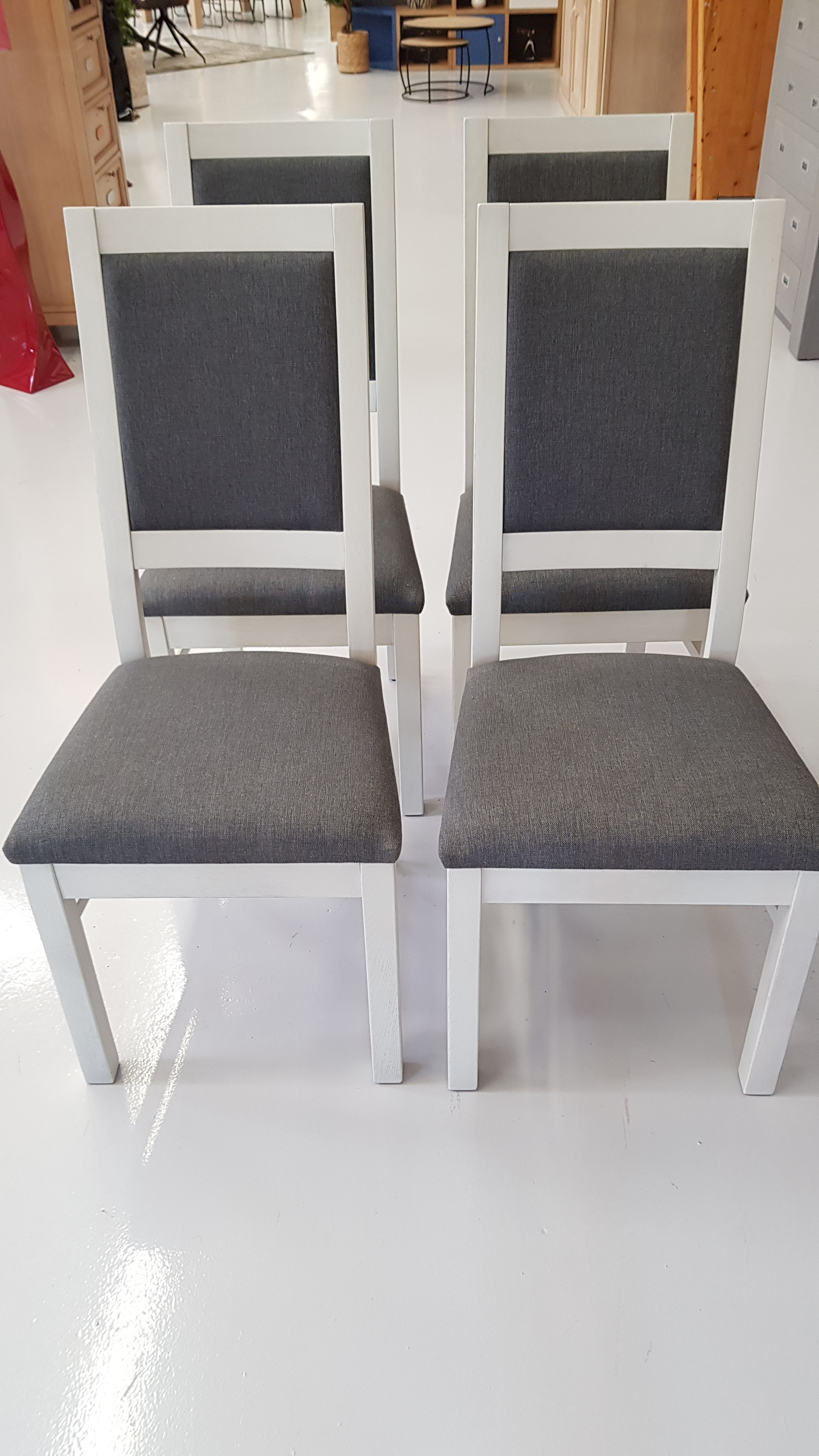 chaise grise salle a manger pieds chene blanc