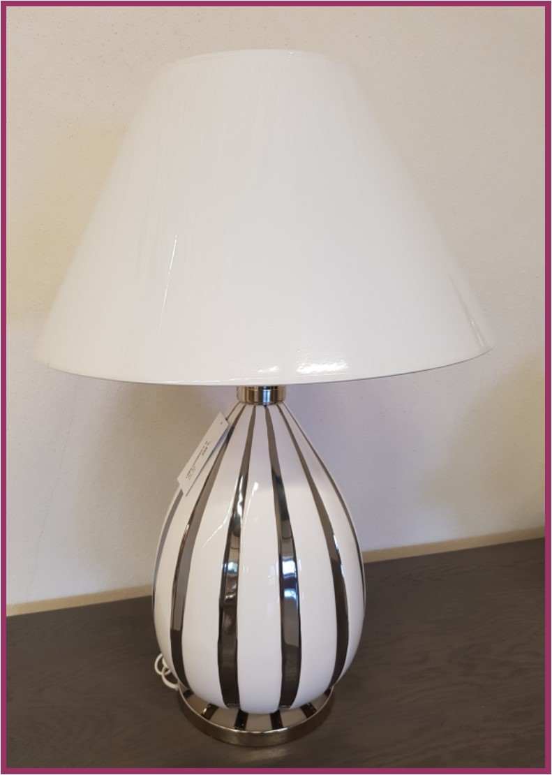 Lampe moderne blanche