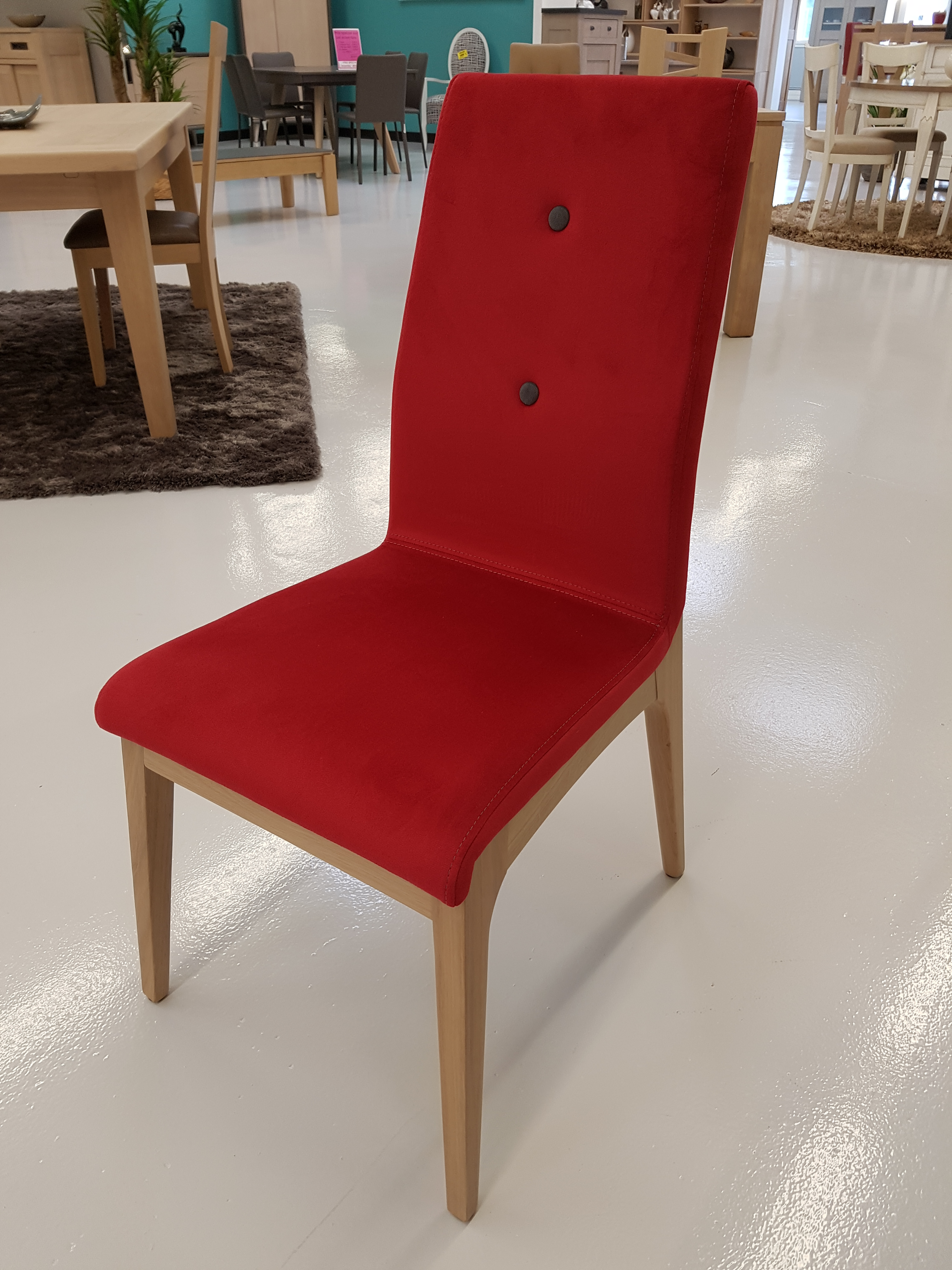 Chaise_scandinave_rouge