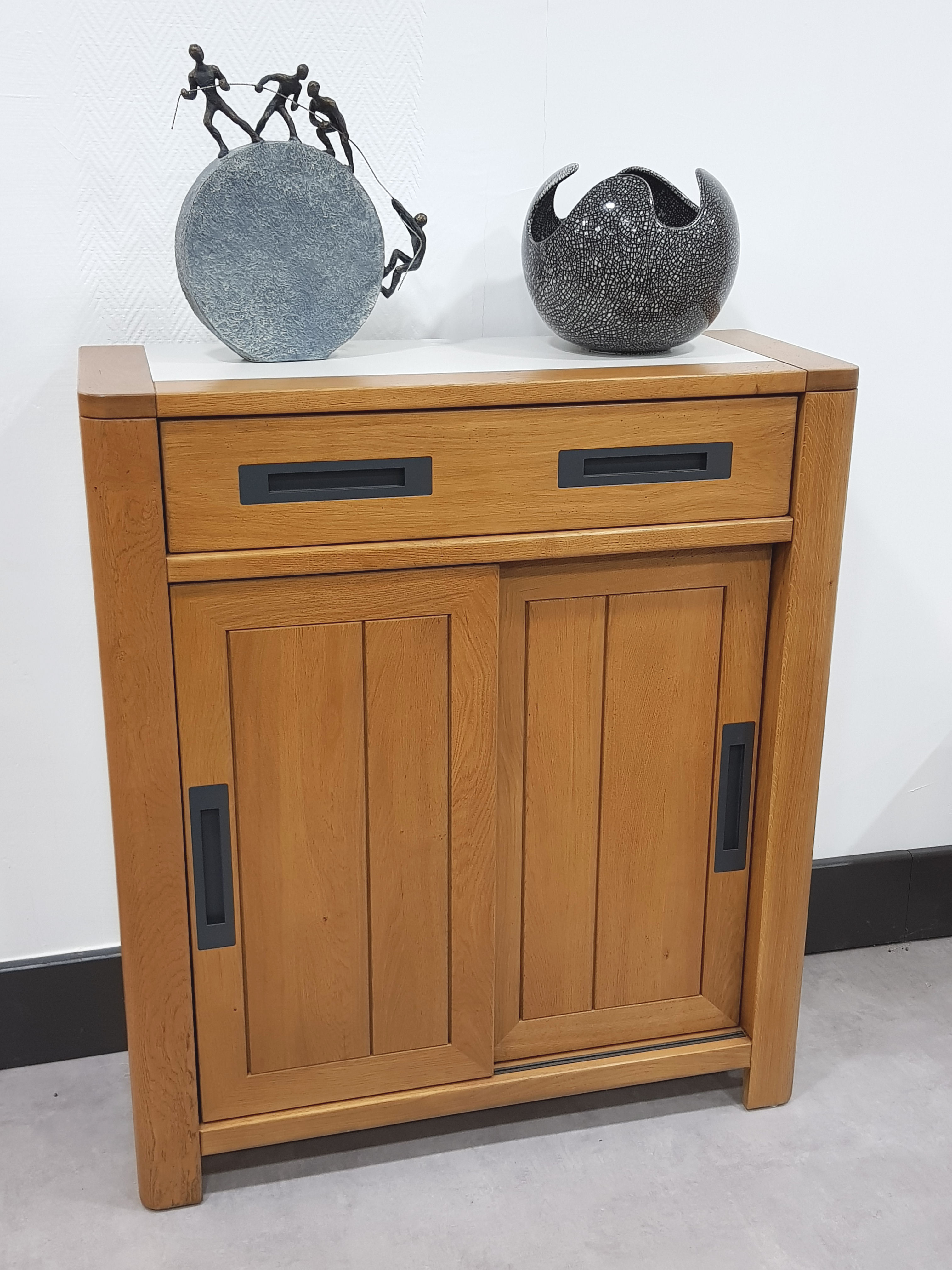Petite commode moderne